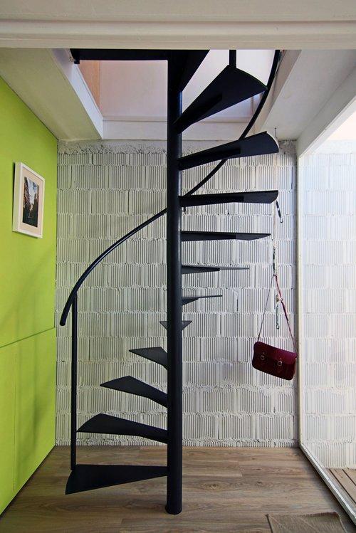 Винтовая лестница из металла