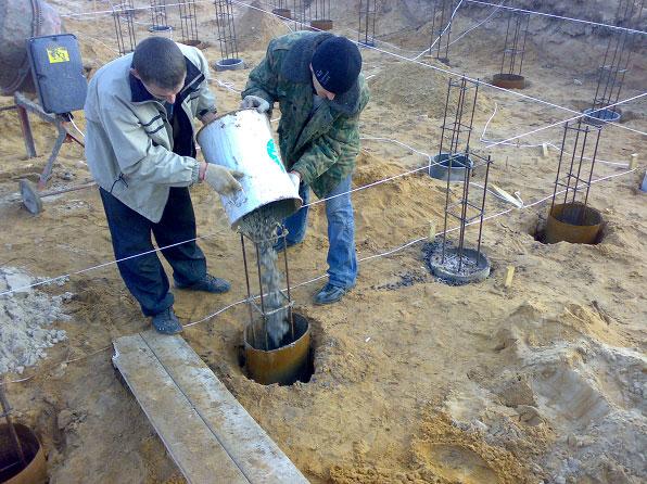 Заливка бетона в трубу