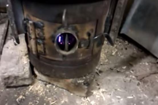 Зольник печи на опилках