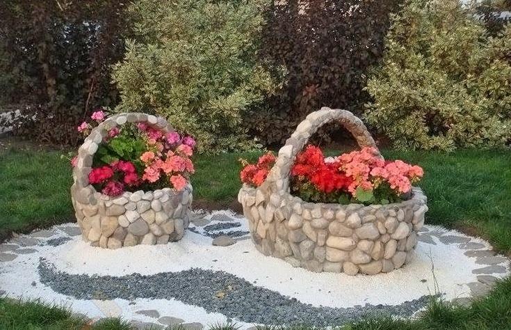 Каменная клумба-корзина