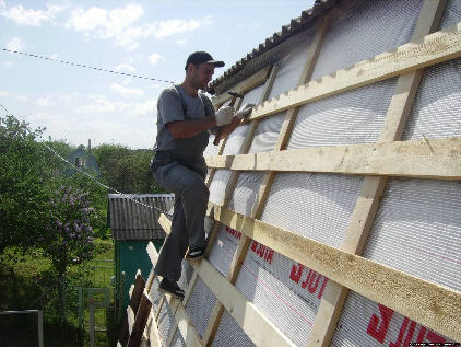 Крепление обрешетки на ломаной крыше