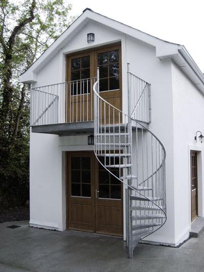 Наружные лестницы для мансарды