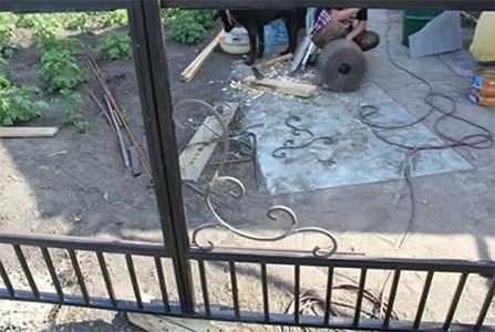 Сборка ворот из готовых элементов ковки