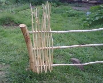 Опоры для плетня