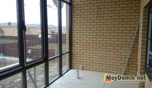Французское остекление балкона (окна в пол) в частном доме (вид изнутри)