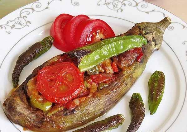 баклажаны с помидорами в духовке Имам Баялды рецепт