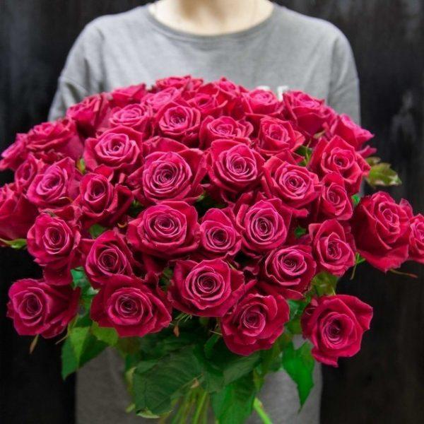 Посадить розу из черенка из букета - дорогое удовольствие