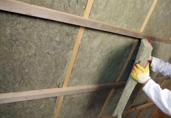 Отделка стен листами минеральной ваты