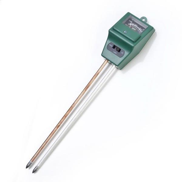 Для измерения влажности почвы используют влагомер.
