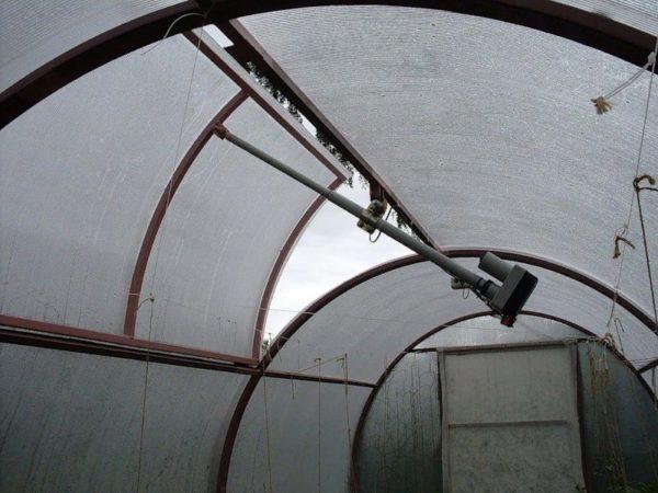 Пример использования пневматической системы для проветривания парника