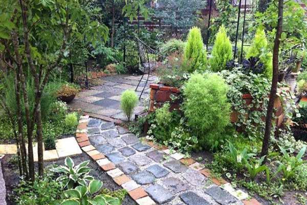 красивый двор частного дома фото дорожек