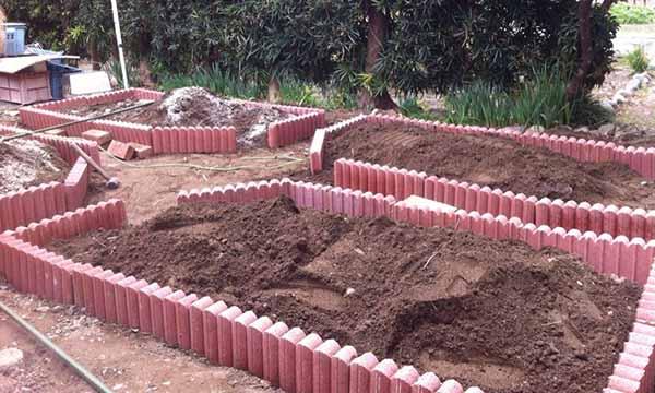 огород во дворе частного дома