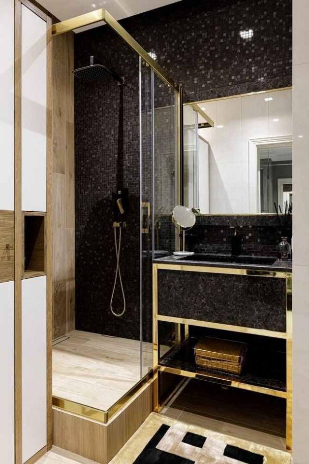 Черный цвет с золотом в интерьере ванной